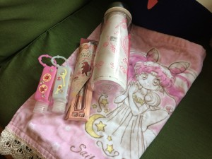 Sailor Moon haul from It's Demo. Includes a Princess Chibiusa towel, tumblr, mars eyeliner, and two hand saniters